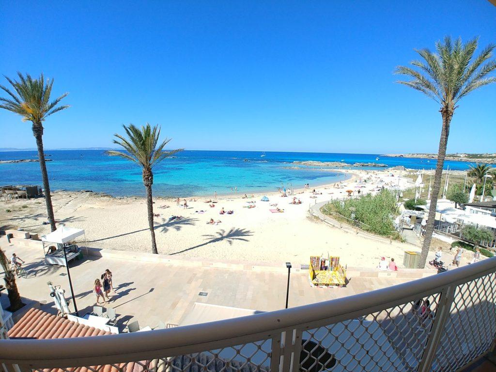 5ade98a9764922 En centre ville et également au bord de la mer, cela vous permettra de passer  vos vacances avec tout le confort.